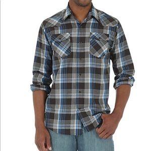 Wrangler western plaid long sleeve shirt Small